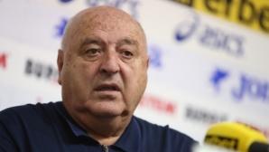 Стефанов: Футбол без публика е като целувка без мустак