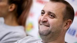 Иван Петков остава начело на жените на България