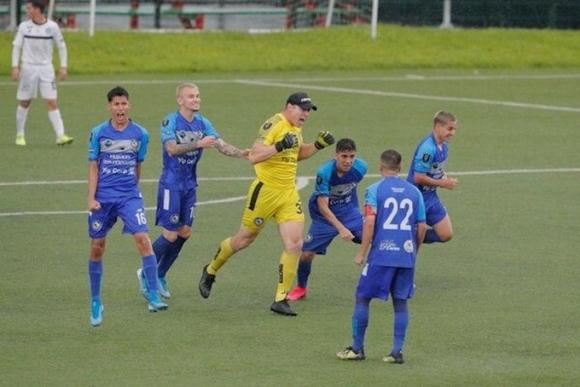 Костарикански вратар-голаджия напомни за Чилаверт, Рожерио Сени и Иванков (видео)
