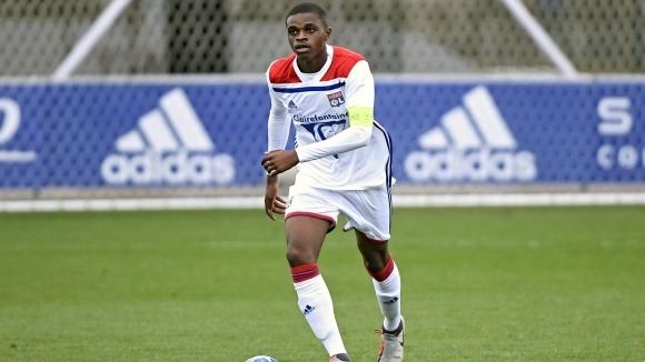 Милан привлича талант на Лион
