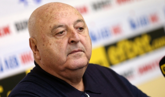Венци Стефанов: Христов няма място във футбола, на Инфантино ли ще дава пари?
