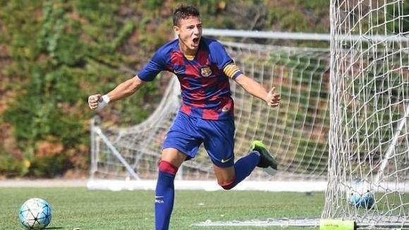 Капитанът на юношеския отбор на Барселона напуска, за да премине в Манчестър Юнайтед