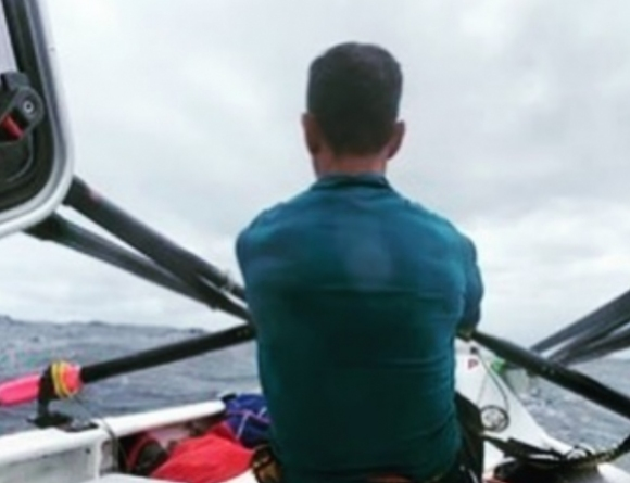 Лесно ли се гребе в океана? (видео)