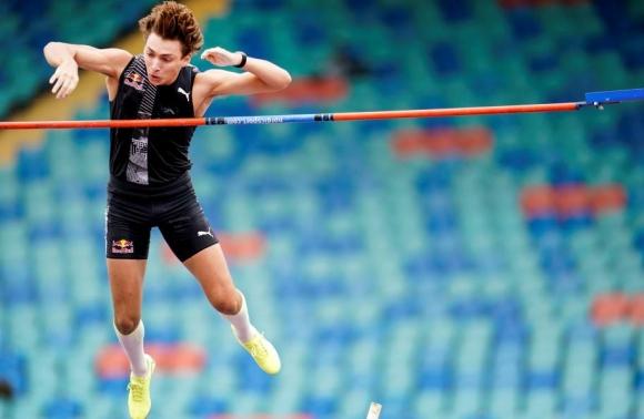 Дуплантис спечели в Карлщад с 5,72 метра