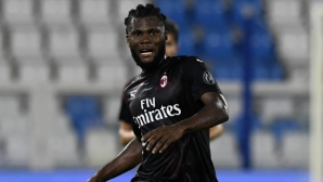 Интер подновява интереса си към халф на Милан