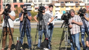 Започна срещата за ТВ правата