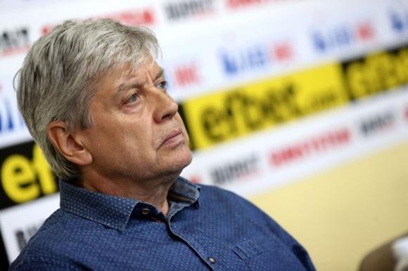 """Легендата на """"сините"""" Емил Спасов: Съчувствам на Наско в битката за Левски"""