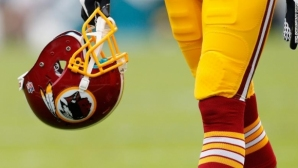 Вашингтон Редскинс се отказа от името и логото си