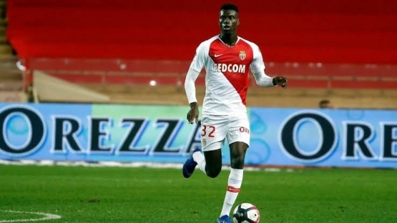 Манчестър Юнайтед набеляза защитник на Монако