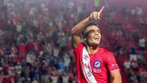 Аякс иска да купи полузащитник на Аржентинос Хуниорс