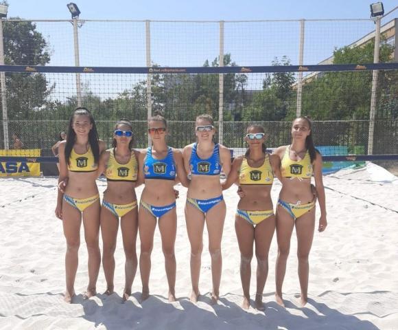 Полуфиналите на държавното първенство по плажен волейбол за девойки продължават днес