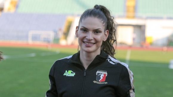 Габриела Петрова помогна за титла на Локомотив-Пловдив на 4 по 100 м