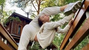 Убийствено гъвкава гимнастичка поиска оценката на феновете си (снимки)