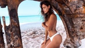 Секси колоездачка остана чисто гола в Гърция (снимки)