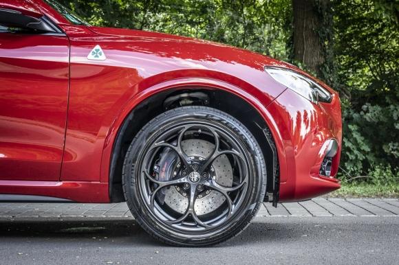 Alfa Romeo Quadrifoglio или най-известната детелина на света