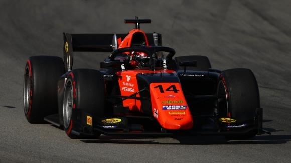 """Три коли за сигурност донесоха победата на японски ветеран във Формула 2 на """"Каталуния"""""""