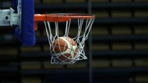 Победи за фаворитите на старта на финалите на първенството при 16-годишните