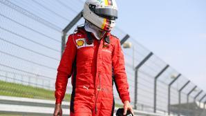 Фетел продължава да критикува Ферари