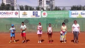 Иван Иванов и Габриела Иванова спечелиха титлите от Държавното първенство по тенис до 12 г. в София