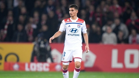 Лион иска 60 милиона евро от Арсенал за Ауар