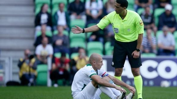 Робен направи повторен дебют за Грьонинген… и се контузи