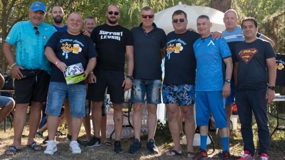 """""""Синьо лято"""" благодари на Наско Сираков, близо 500 фенове на Левски взеха участие в турнира"""