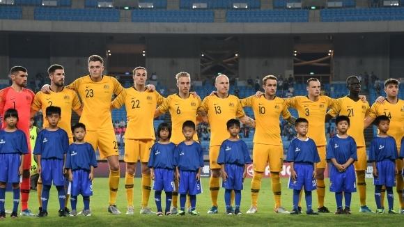 Футболните национали на Австралия се съгласиха да намалят заплатите си
