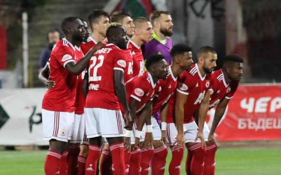 Унгарци ще свирят ЦСКА-София - Б36