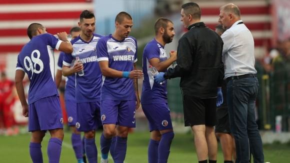 Четирима футболисти на Етър са с положителни проби за коронавирус
