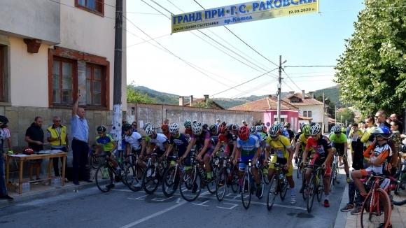 """Над 140 колоездачи от цялата страна участваха в Колокритериум """"Г. С. Раковски"""" в Котел"""