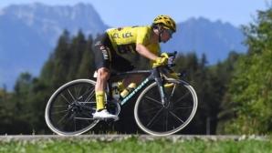 """Скандал на """"Тур дьо Франс"""": съдия развалил велосипеда на водача"""