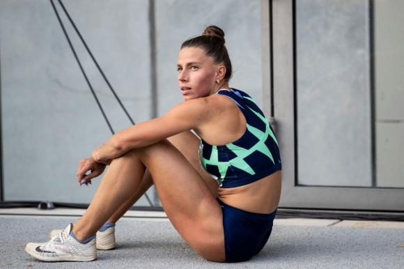 Поредна победа за Бек-Романчук в скока на дължина