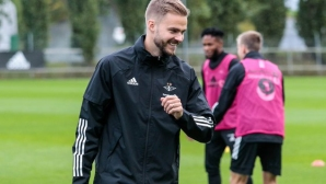 Ейолфсон с жълт картон за Розенборг, Ривалдиньо бележи в Полша (видео)