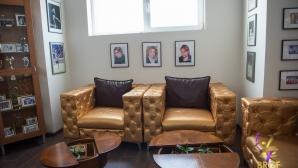 Златни мебели за грациите ни