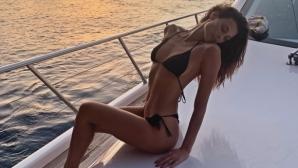 Секси модел още въздиша по Балотели