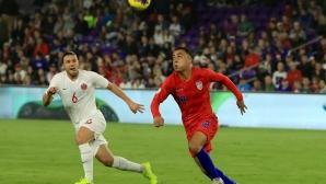 Жест на Аякс спаси сделката с Барселона за Дест