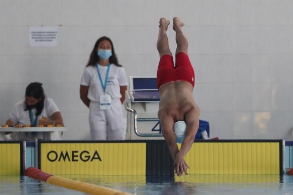 220 плувци на турнира в памет на Руси Русев