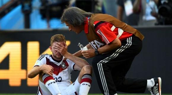 Нова идея: допълнителни смени във футбола при контузии на главата
