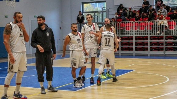 Локомотив София продължава с победите в А група