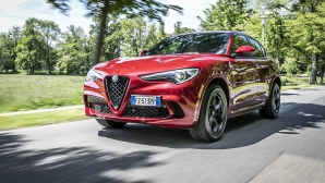"Alfa Romeo Stelvio Quadrifoglio бе обявен за ""SUV на годината"""