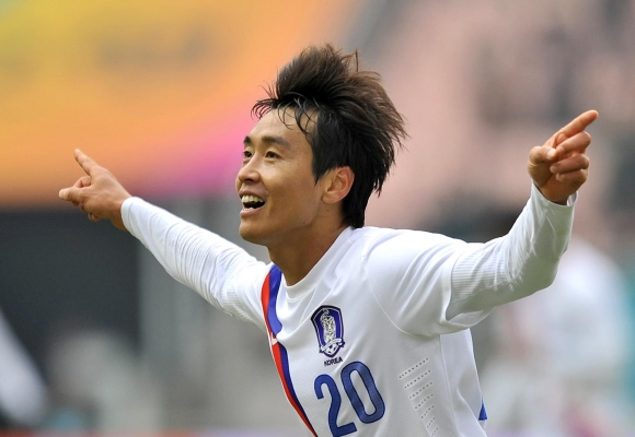 Корейска футболна легенда се отказва на 41-годишна възраст
