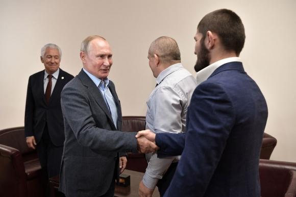 Владимир Путин поканил Хабиб Нурмагомедов в Кремъл
