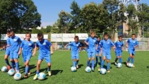 Прекратиха тренировките на пет възрастови групи в Левски