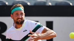 Тенисист се самонаказа след загуба по интересен начин (видео)
