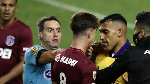 Футболът в Аржентина се завърна с исторически гол с ръка срещу Бока Хуниорс (видео)