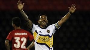 Карлитос отново блести за Бока Хуниорс и доближи Рикелме (видео)