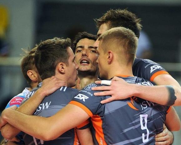 Шестима заразени с COVID-19 в състава на отбор от Шампионската лига