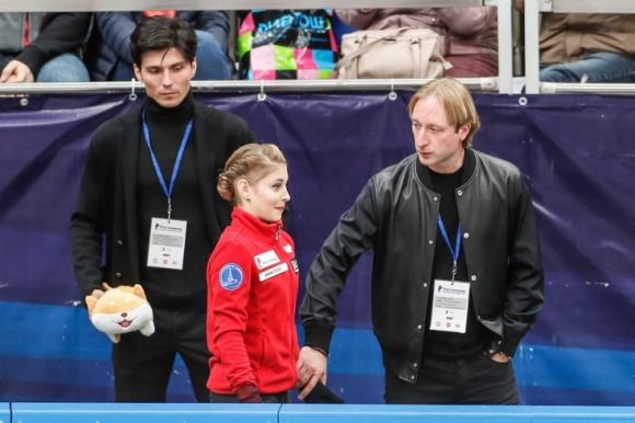 Альона Косторная спечели кратката програма при жените на турнира Гран при в Москва