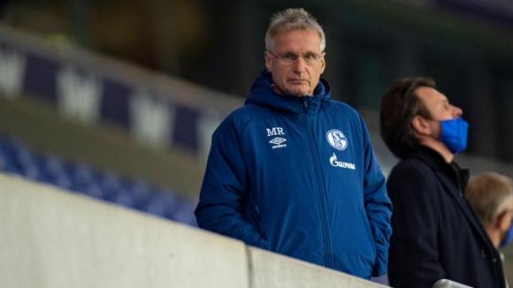 Шалке 04 освободи директор и извади трима футболисти...