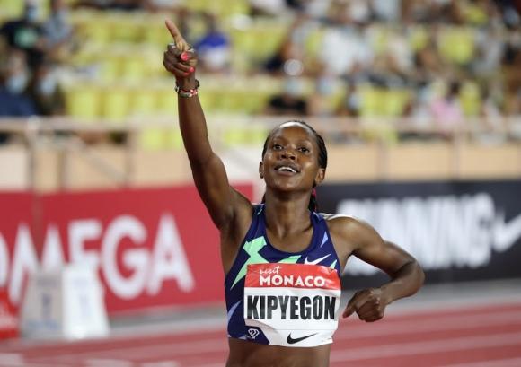 Олимпийската шампионка на 1500 м Кипиегон сменя...